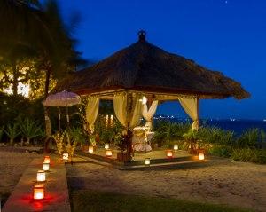 Romantic Dinner at The Beach Comber brasserie beach hut